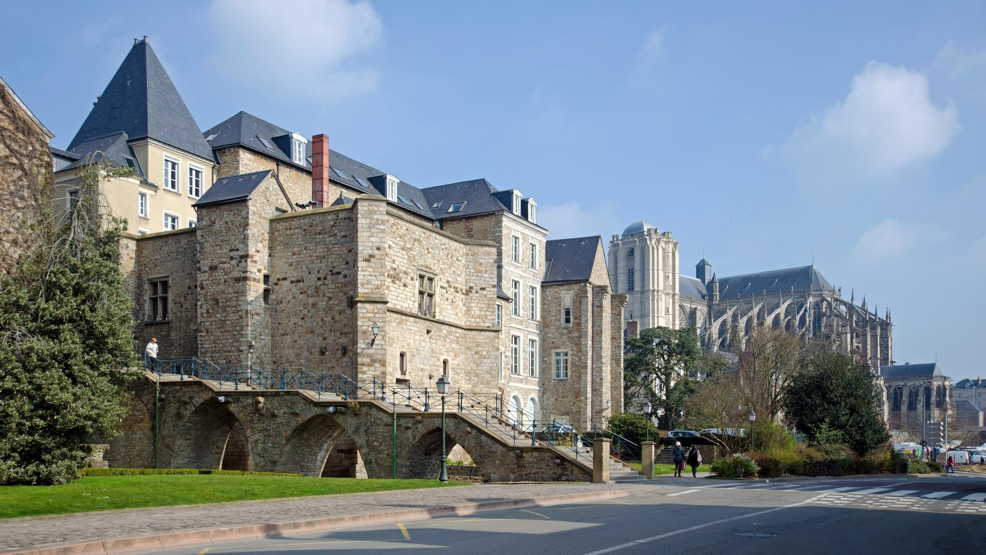 Saint-Léonard-des-Bois